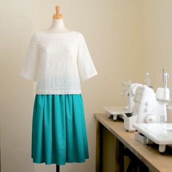 FAB #062 ボートネックのプルオーバーシャツとサテンのギャザースカート(布地を変えて楽しむ編)