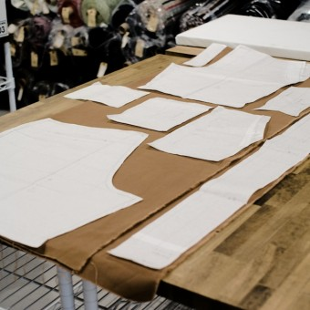 もしもミシンが使えたら。。。#035 コットンキャンバスのハーフパンツ(ムダなし裁断は型紙からの巻)