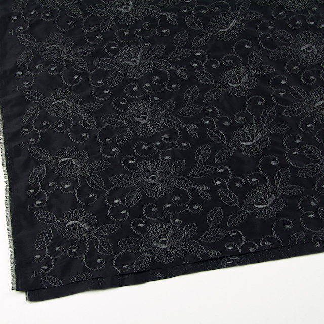 ポリエステル×フラワー(ブラック)×タフタ刺繍_全2色