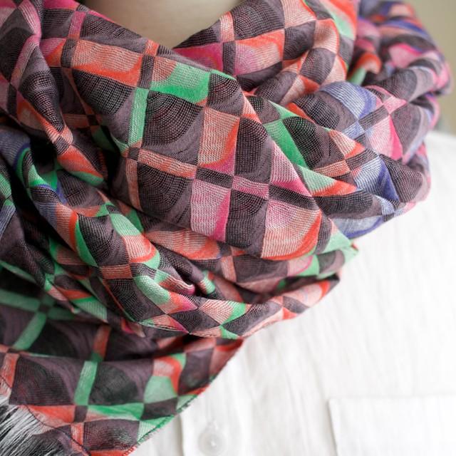 二重織ジャガードのストールキット(レインボーミックス) イメージ3