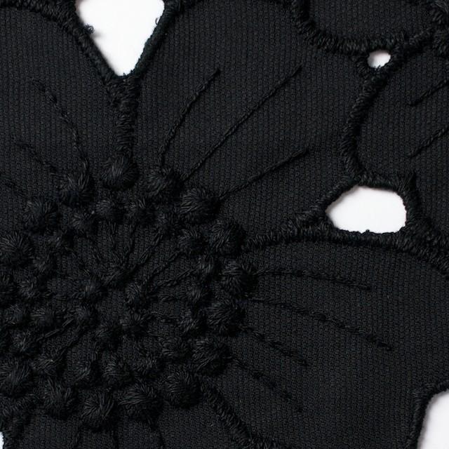 コットン×フラワー(ブラック)×ピケ刺繍_全2色 イメージ1