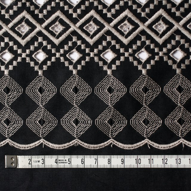 コットン×幾何学模様(ブラック)×ローン刺繍_全3色 イメージ4