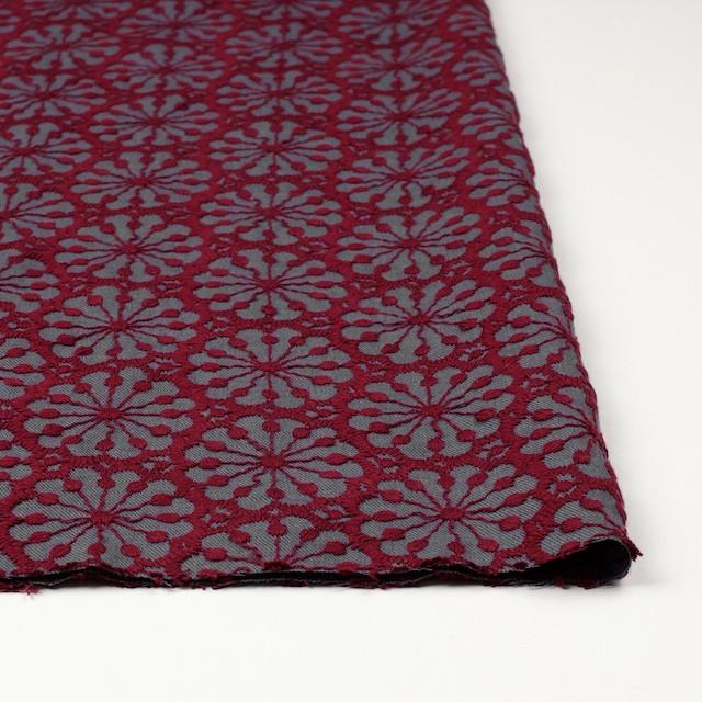 ポリエステル&ウール×フラワー(エンジ)×サージ刺繍 イメージ3