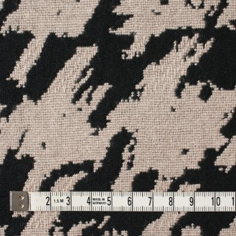 ウール×幾何学模様(グレイッシュベージュ&ブラック)×風通織ジャガード サムネイル4