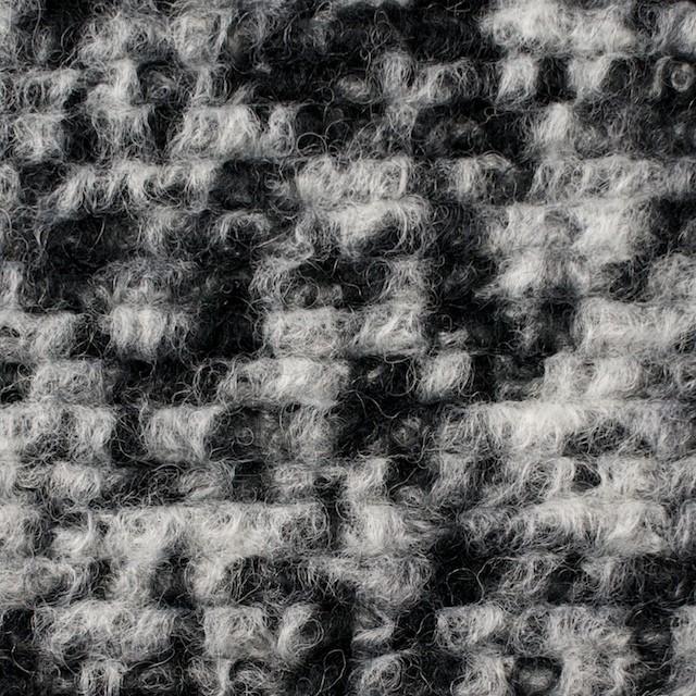 ウール&ポリエステル×モザイク(オフホワイト&ブラック)×ループニット イメージ1