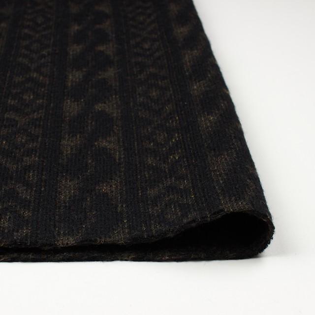 ウール&ポリエステル×幾何学模様(ブラック&ダークブラウン)×ジャガードニット_イタリア製 イメージ3