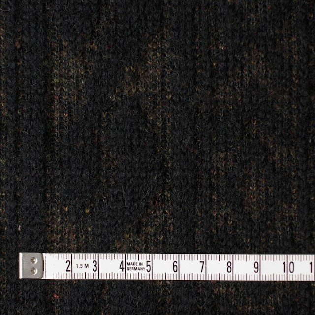 ウール&ポリエステル×幾何学模様(ブラック&ダークブラウン)×ジャガードニット_イタリア製 イメージ4
