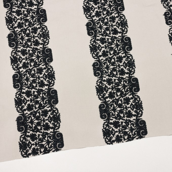 コットン×幾何学模様(アイボリー&ブラック)×かわり織刺繍_全3色 イメージ2