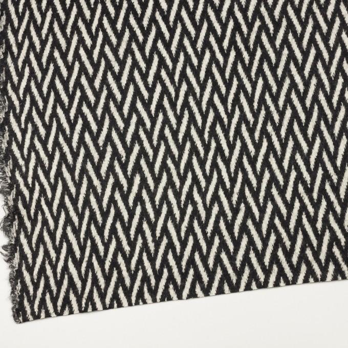 ウール×幾何学模様(アイボリー&ブラック)×ジャガードニット イメージ2