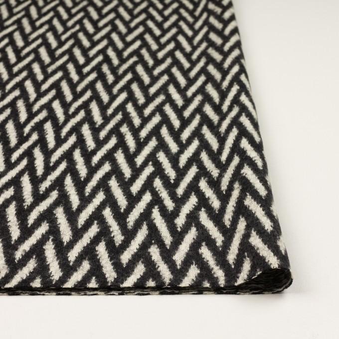 ウール×幾何学模様(アイボリー&ブラック)×ジャガードニット イメージ3