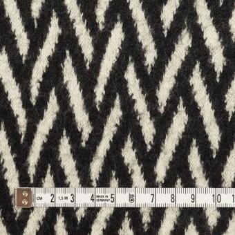 ウール×幾何学模様(アイボリー&ブラック)×ジャガードニット サムネイル4