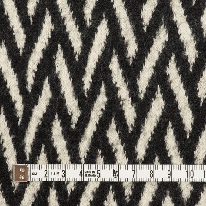ウール×幾何学模様(アイボリー&ブラック)×ジャガードニット イメージ4
