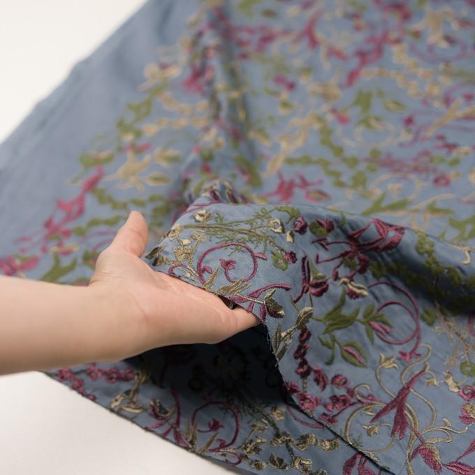 キュプラ&レーヨン×フラワー(ブルーグレー)×サージ刺繍 イメージ5