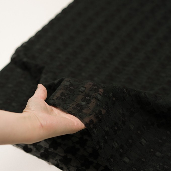 コットン×フラワー(ブラック)×ボイルカットジャガード刺繍 イメージ5