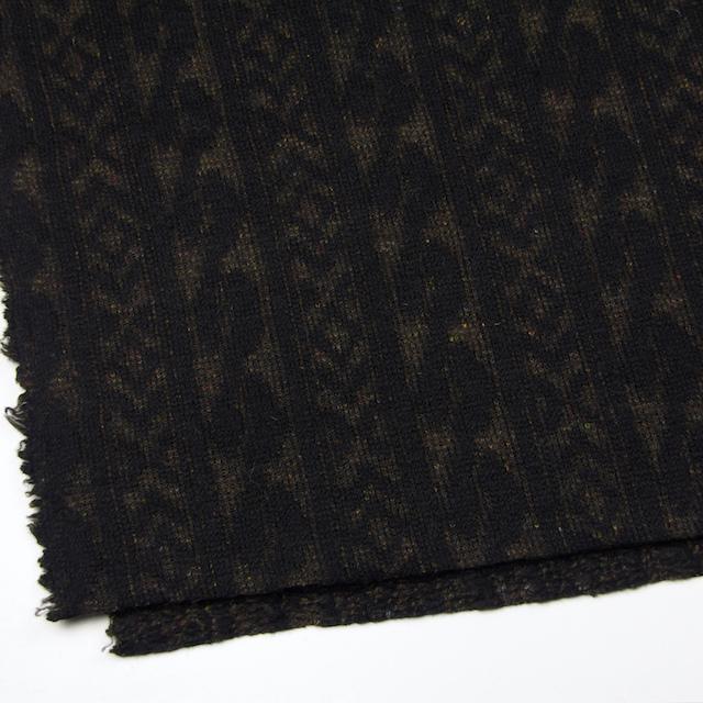 ウール&ポリエステル×幾何学模様(ブラック&ダークブラウン)×ジャガードニット_イタリア製
