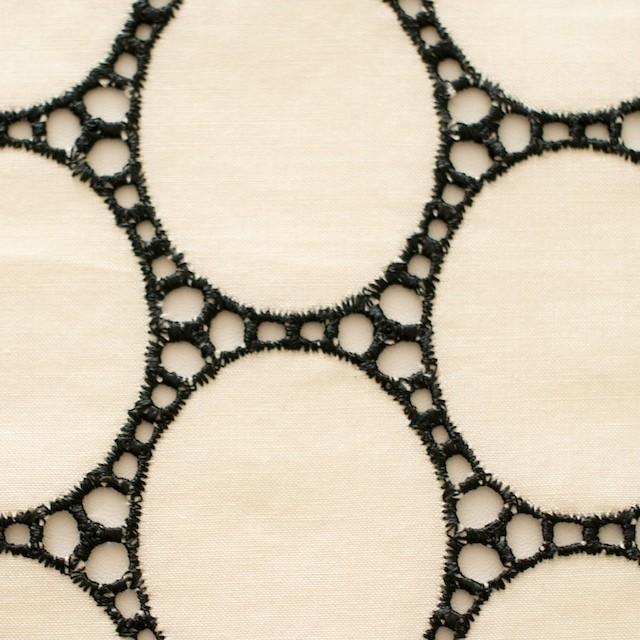 コットン×オーバル(キナリ)×ローン刺繍 イメージ1