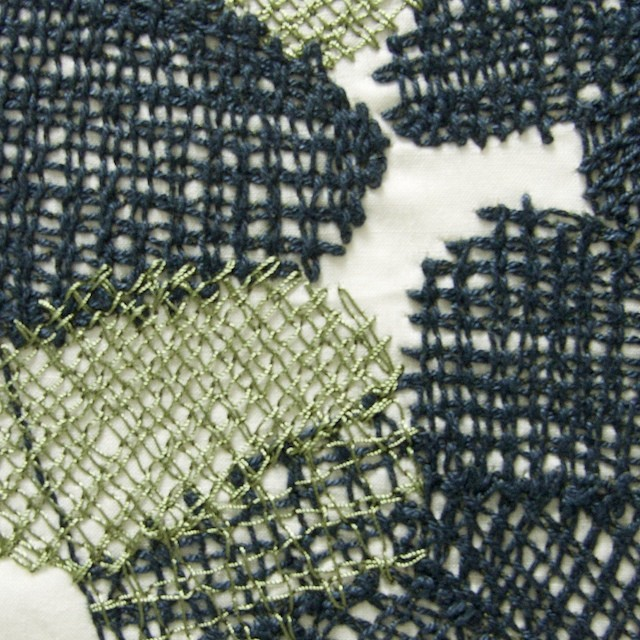 コットン×幾何学模様(アイボリー)×ローン刺繍_全2色 イメージ1