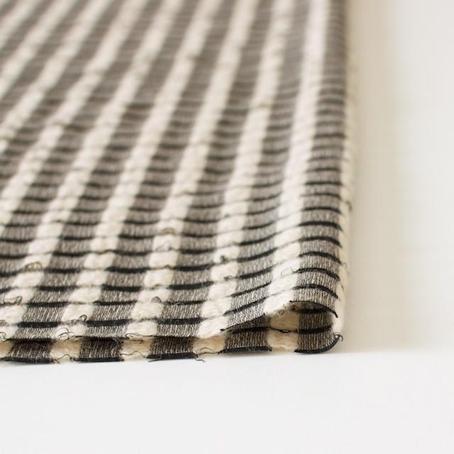 ウール&モヘア×チェック(ブラック&ベージュ)×かわり織 イメージ3