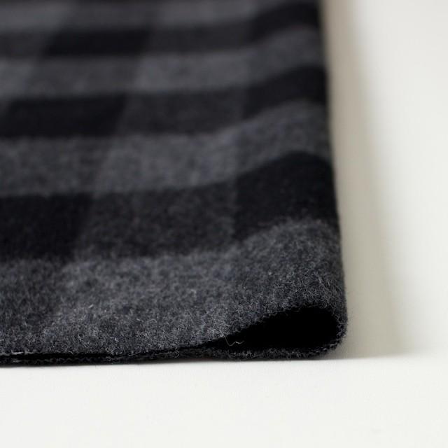 ウール&ポリエステル混×ブロックチェック(グレー&ブラック)×起毛ツイード イメージ3