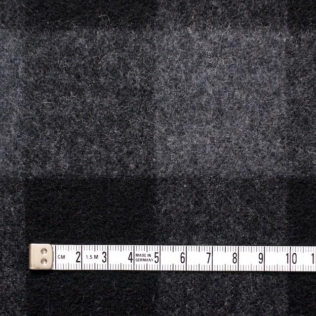 ウール&ポリエステル混×ブロックチェック(グレー&ブラック)×起毛ツイード イメージ4