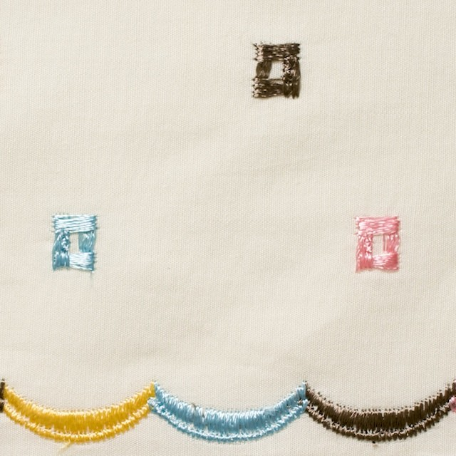 コットン&シルク×幾何学模様(アイボリー)×ブロード刺繍_全3色 イメージ1