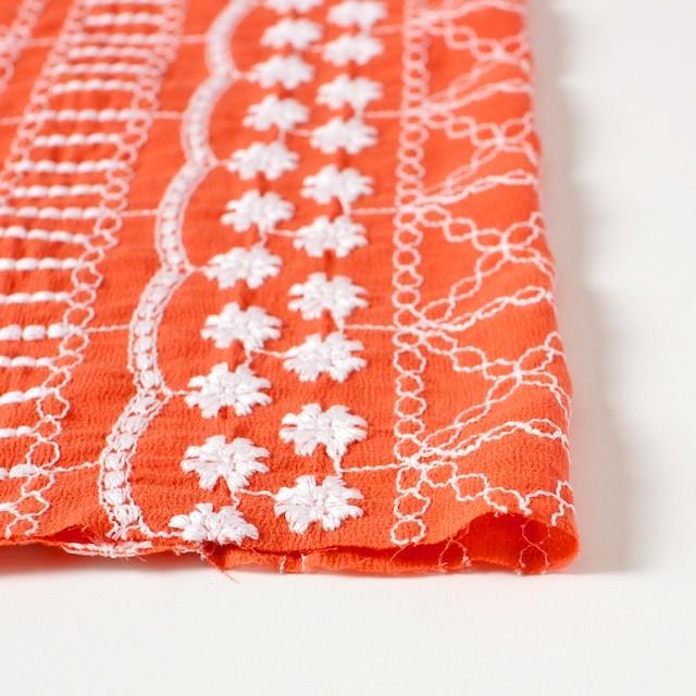 コットン×フラワー(オレンジ)×ヨウリュウ刺繍 イメージ3