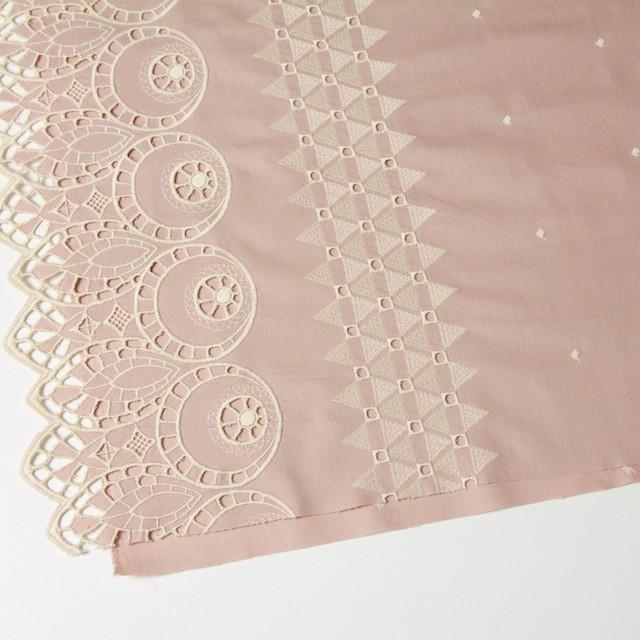 コットン×幾何学模様(アンティークローズ)×シーチング刺繍 イメージ2