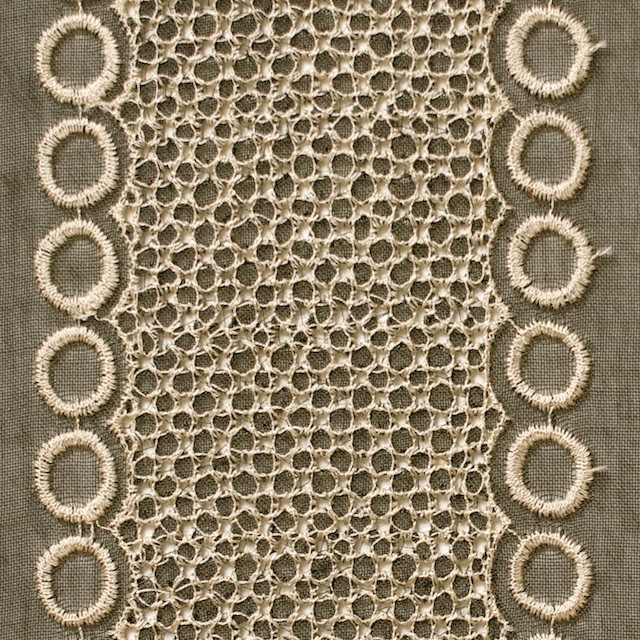 ポリエステル×コラム(カーキグリーン)×ボイル刺繍(着分)_全3色 イメージ1
