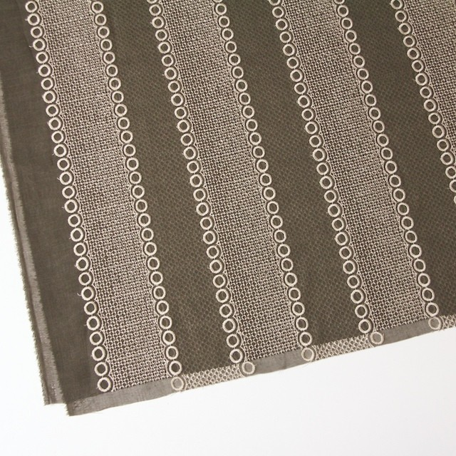 ポリエステル×コラム(カーキグリーン)×ボイル刺繍(着分)_全3色 イメージ2
