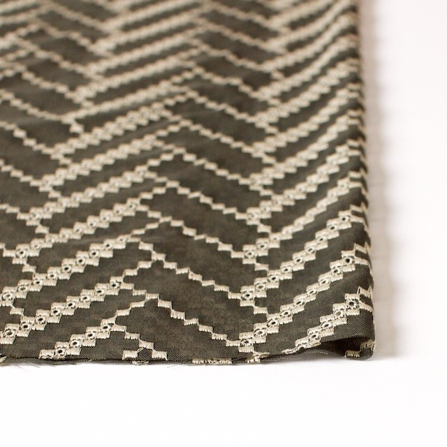 ポリエステル×ウェーブ(カーキグリーン)×ボイル刺繍(着分)_全3色 イメージ3