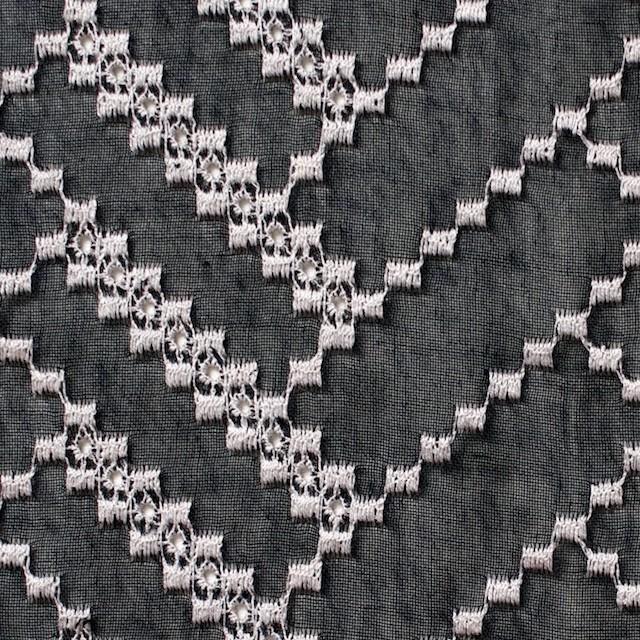 ポリエステル×ウェーブ(ブラック)×ボイル刺繍(着分)_全3色 イメージ1