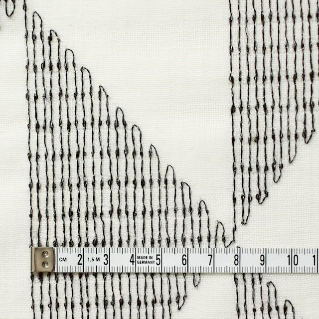 ポリエステル×トライアングル(アイボリー)×ボイル刺繍(着分) イメージ4