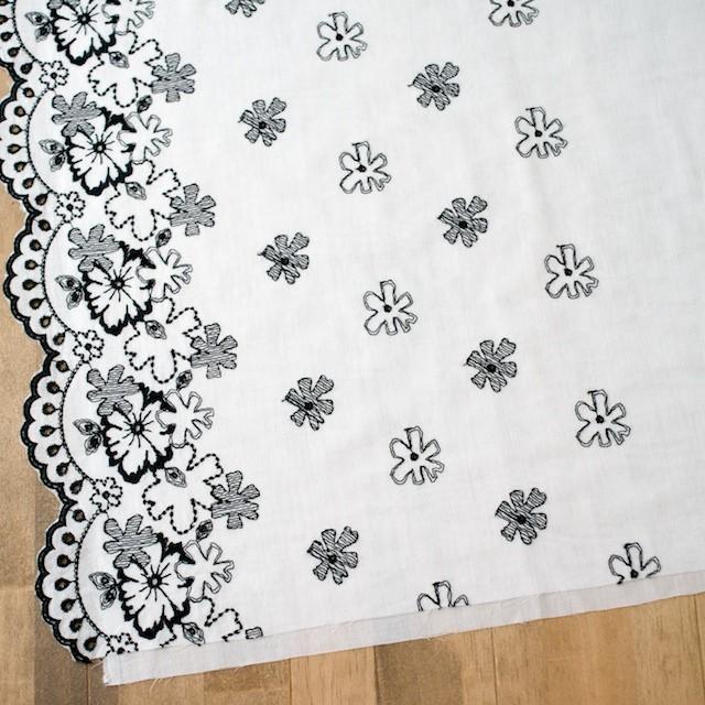 コットン×フラワー(オフホワイト&ブラック)×ボイル刺繍 イメージ2