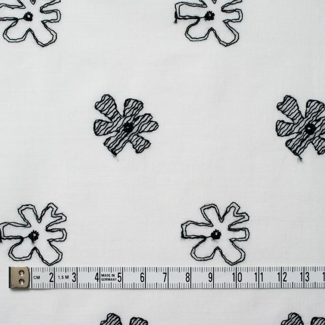コットン×フラワー(オフホワイト&ブラック)×ボイル刺繍 イメージ5