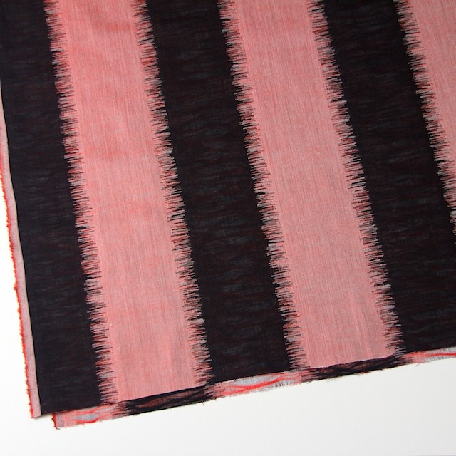 コットン×幾何学模様(レッド&ブラック)×二重織ジャガード イメージ2