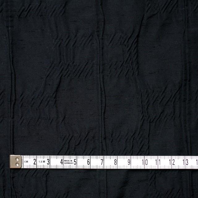 レーヨン&ナイロン混×幾何学模様(ブラック)×タテタック イメージ4