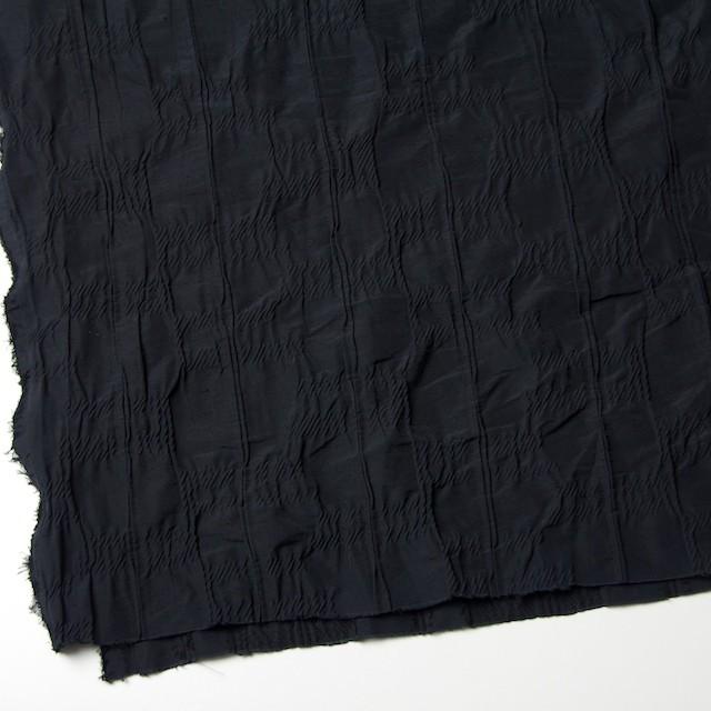 レーヨン&ナイロン混×幾何学模様(ブラック)×タテタック イメージ2