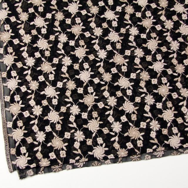 ナイロン×フラワー(ピンクベージュ&ブラック)×チュールレース イメージ2