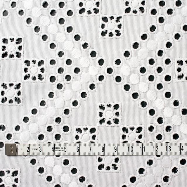 コットン×幾何学模様(オフホワイト)×ピケ刺繍 イメージ4