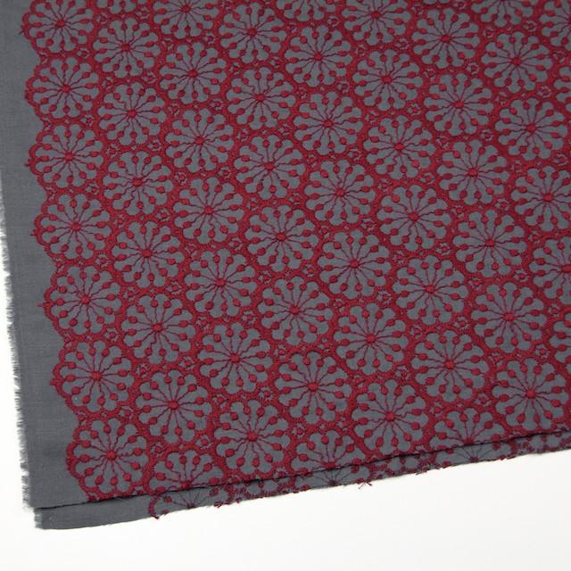 ポリエステル&ウール×フラワー(エンジ)×サージ刺繍 イメージ2
