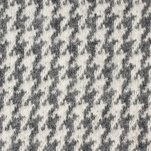 ウール&アンゴラ×チェック(グレー)×ジャガードニット イメージ1