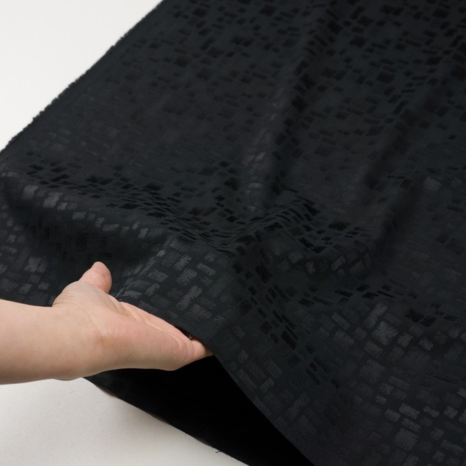 ポリエステル&コットン混×幾何学模様(ブラック)×サテンジャガード・ストレッチ イメージ5