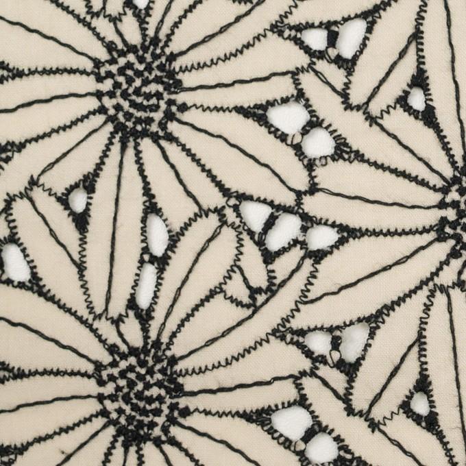 コットン×フラワー(キナリ&ブラック)×ローン刺繍 イメージ1