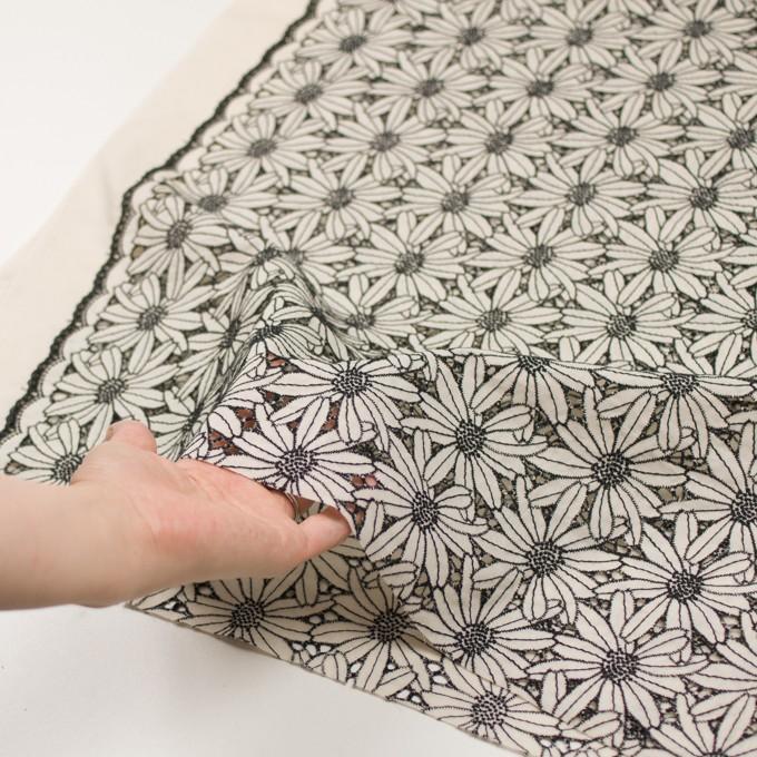 コットン×フラワー(キナリ&ブラック)×ローン刺繍 イメージ5
