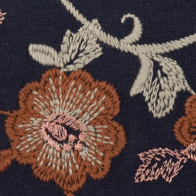 アクリル&ウール混×フラワー(ダークネイビー、レンガ&アトモスグリーン)×スムースニット刺繍 イメージ1