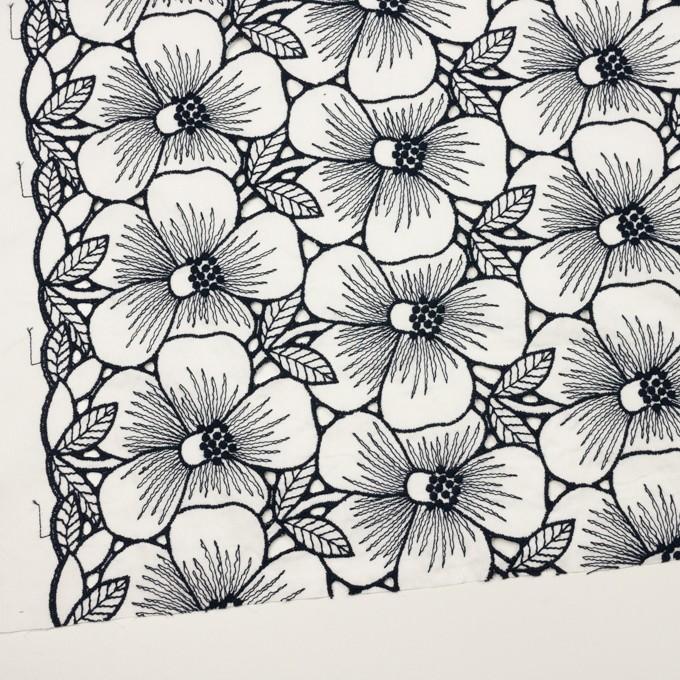 コットン×フラワー(ホワイト&ネイビー)×ピケ刺繍 イメージ2