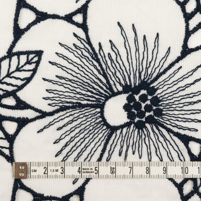 コットン×フラワー(ホワイト&ネイビー)×ピケ刺繍 イメージ4