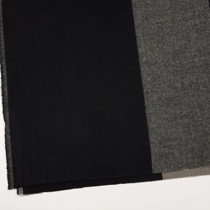 ポリエステル&アクリル混×チェック(グレイッシュベージュ&ブラック)×サージ_パネル_全2色 イメージ2