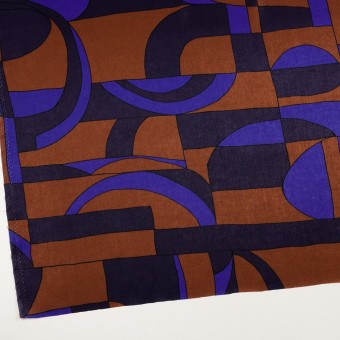 ポリエステル×幾何学模様(アーモンド&プルシアンブルー)×サテン_イタリア製 サムネイル2
