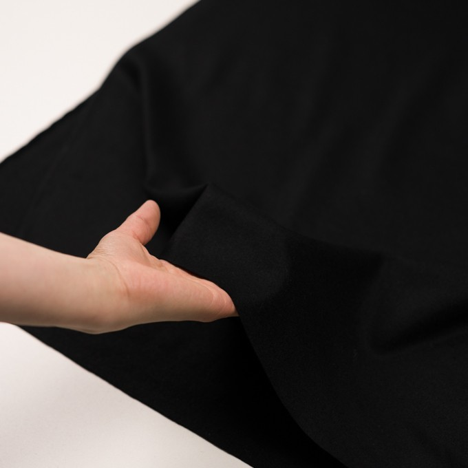 ウール×無地(ブラック)×圧縮ニット イメージ5